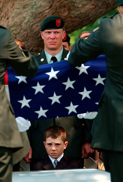 Iraq War, Afghanistan, 2005, troop surge, wmd, ied, george bush, john kerry, marblehead, Massachusetts, MA, 2005, funeral, procession